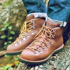 Enjoy superior American workmanship and top-quality materials from Danner work boots. Discover our top rated best Danner boots to help you decide Lit Shoes, Men's Shoes, Danner Work Boots, Danner Boots Men, Mens Hiking Boots, Hiking Gear, Hiking Trails, Botas Ski, Fishing Boots