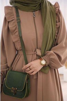 Modest Fashion Hijab, Pakistani Fashion Casual, Muslim Fashion, Skirt Fashion, Fashion Outfits, Mode Abaya, Iranian Women Fashion, Hijab Fashionista, Hijab Fashion Inspiration