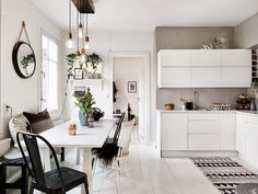 The Scandinavian interior concept comes in a style that is lightweight, bright and also simple. This interior style is very suitable for small houses, be it an apartment or a small house type. Home Interior, Kitchen Interior, Interior Styling, Kitchen Design, Interior Design, Ikea Interior, Interior Concept, Kitchen Modern, Open Kitchen