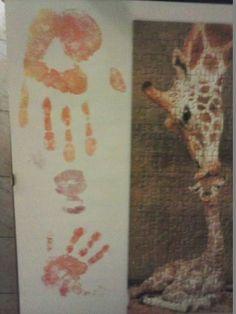 puzzle con impronte mani e baci cinzia&greta