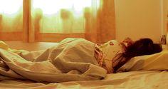 Troubles de sommeil et difficultés à dormir. Voici une technique simple qui aide à s'endormir rapidement et à gérer les émotions en période de stress.