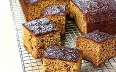 Honigkuchen - OMG, this is one of the fluffiest honey cakes I have had so far, it's super delicious (Baking Sweet Honey) Ginger Loaf Cake, Honey Cake, Ginger Bread, Christmas Sweets Recipes, Christmas Baking, Sweet Recipes, Cake Recipes, Greek Sweets, No Bake Desserts