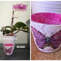 Teelichtglas mit GoniDecor und Eiskristall innen, Antiquelack, OutdoorDecor weiß außen. Eine hübsche Serviette mit Finisher kleben und versiegeln. Eiskristall in den feuchten Kleber einstreuen. Fertig ist das Teelichtglas 😊🤗
