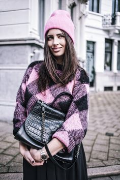 A Bright Pink Woolen Knit and Floaty Maxi Skirt | MY FASHION BLOG by Emma Gelaude & Marie Maite | Premium Fashion and Lifestyle Blog