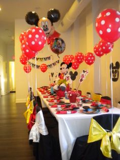 Cute table decoration for a Mickey Mouse birthday party!