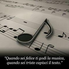 Quando sei felice ti godi la musica, quando sei triste capisci il testo. Powerful Words, Losing Me, Music Is Life, Jukebox, Hard Rock, Musicals, Love Quotes, Thoughts, Feelings