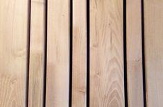 Latten 5 - 8 - 12 cm met open voeg Cedar Cladding House, Wood Facade, Timber Cladding, Wall Design, House Design, Wooden Slats, Home Deco, Building A House, Shed
