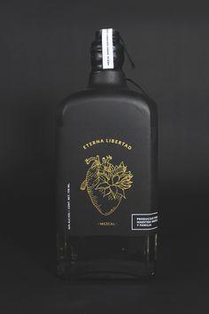 Eterna libertad – mezcal in Packaging Design