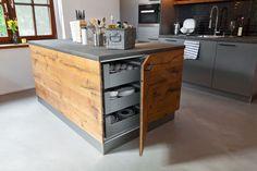 Cozinha: quando o estilo country encontra o moderno Diy Kitchen Storage, Home Decor Kitchen, Kitchen Interior, New Kitchen, Home Kitchens, Diy Home Decor, Country Kitchen, Küchen Design, Wood Design