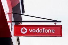 Vodafone Pay позволил оплачивать покупки со счета PayPal. В то время, как Apple и Samsung пытаются заставить владельцев смартфонов пользоваться их мобильным кошельком, английский оператор Vodafone последовательно решает главную проблему конкурентов. К платежной системе Vodafone Pay уже можно подключать банковские карты и Visa, и MasterCard, а теперь стало доступно прикрепления счета PayPal. Samsung, Iphone