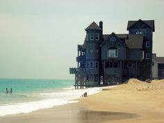 Nights at Rodanthe - Beach House, Hatteras Island, North Carolina photo by roger marcel I Love The Beach, Beach Fun, Wonderful Places, Beautiful Places, Outer Banks Nc, Photo Deco, Hatteras Island, North Carolina Homes, Thing 1