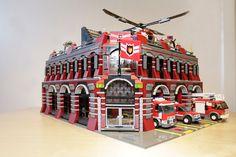 corpo de bombeiros Lego City Fire, Lego Fire, Legos, Lego Ambulance, Lego Police Station, All Lego, Lego Lego, Amazing Lego Creations, Lego Room