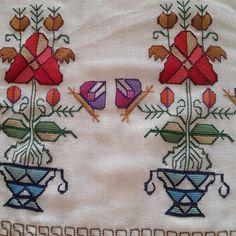 Instagram photo by @hesapisi (Kasım El Sanatları) | Iconosquare Folk Embroidery, Embroidery Patterns, Cross Stitch, Miniatures, Traditional, Blog, Crafts, Instagram, Arts And Crafts