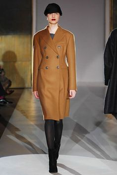 See the complete 6267 Fall 2007 Ready-to-Wear collection.