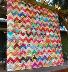 Scrappy Zig Zag ~ quilt inspiration. Oohhh! Maybe I'll try this after I see how my first scrappy quilt turns out. I'm in love with scrappy quilts right now!