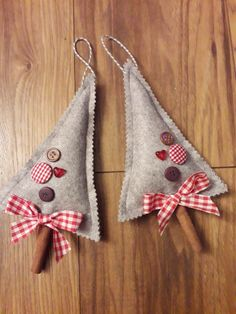 Cinnamon Christmas decoration The Effective Pictures We Offer You About Diy Felt Ornaments christmas Rustic Christmas Ornaments, Felt Ornaments, Christmas Decorations, Beaded Ornaments, Handmade Ornaments, Christmas Sewing, Christmas Fun, Christmas Projects, Holiday Crafts