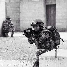 Soldats en entraînement POMLT au camp militaire de la Courtine [Ref:1410-18-0127] #armeedeterre #gendarmerienationale #POMLT #lacourtine #famas #soldat #militaire