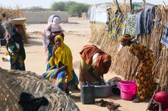 Women in a refugee camp in Diffa, Niger. They used to live close to Lake Chad but had to flee from Boko Haram. ©Frank Dejongh