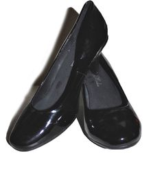 "NAVID O NADIA Black Patent Leather Round Toe Pumps 3"" Heels Eur 38 US 7 #NavidONadia #PumpsClassics #WeartoWork"