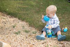 Para os nossos pequenos: o melhor da puericultura infantil! Garrafinhas práticas de carregar e potinhos que impedem que os alimentos caiam no chão. <3
