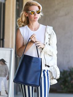 Star Tracks: Wednesday, April 29, 2015 | STAR IN STRIPES | Meanwhile, her Mad Men costar January Jones struts her stripes on Tuesday around Sherman Oaks, California.