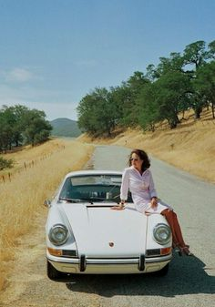 Somewhere along the way: 911 / 912 Porsche 911 Targa, Porsche Carrera, Porsche Classic, Classic Cars, Classic Auto, Car Show Girls, Car Girls, Porsche Models, Porsche Cars