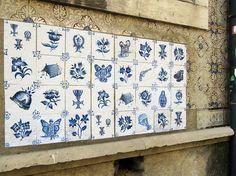 Ocupação Monarca - Lisboa n° II.27 | rua Heliodoro Salgado, Penha de França | Intervenção urbana | Lisboa - Portugal | 2016 | tinta acrílica sobre papel aplicados com cola de amido sobre parede azulejada  #OcupacaoMonarca #OcupaçãoMonarca #IntervencaoUrbana #ArteUrbana #Lisboa #Portugal #Azulejo #Azulejos #FiguraAvulsa #FábioCarvalho #FabioCarvalho #Lisbon #StreetArt #UrbanArt #repost #regram #azulejosdeportugal #azulejoportugues #azulejoportuguês #azulejosportugueses #tile #tiles…
