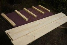 Excellent & Easy Garden Storage Bench: 16 Steps (with Pictures) Garden Storage Bench, Diy Storage, Pallet Sofa, Pallet Benches, Pallet Tables, Pallet Bar, Outdoor Pallet, Diy Pallet, Pallet Ideas