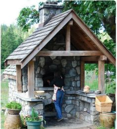Häuschen mit Holzbackofen … Kitchens with pizza oven Ready for a pizza? Wood Oven, Wood Fired Oven, Wood Fired Pizza, Outdoor Rooms, Outdoor Gardens, Outdoor Living, Outdoor Kitchens, Pizza Oven Outdoor, Outdoor Cooking