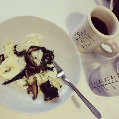 @9flights - Meals have been messy collections of stuff cooked in butter. 3 egg whites, spinach, mushrooms, coffee with butter and a few drops of stevia extract. #wholelifechallenge #dogdays #cabinfever #paleo