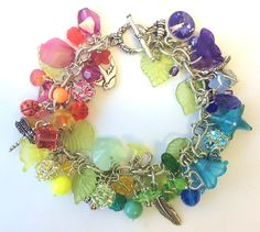 This could be an idea for those left over beads.  Busy in Beadland | Loose Ends