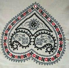 Hand Embroidery Videos, Hand Work Embroidery, Embroidery Motifs, Creative Embroidery, Simple Embroidery, Hand Embroidery Designs, Kutch Work Designs, Hand Work Blouse Design, Herringbone Stitch