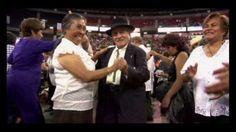 Festejan con un gran baile a más de 100 mil adultos mayores en la CDMX