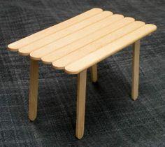 Mesa palito de picolé. / Popsicle  stick table.
