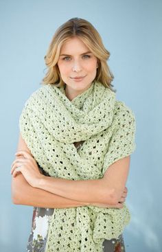 Seasonless Scarf-free Lion Brand pattern ❤❤❤❤❤ Simple, easy, quick to complete, fun to do! This is a VERY long scarf/shawl.