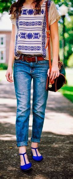Folksy shirt, boyfriend jeans, t-strap shoes