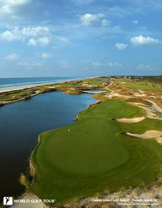 Situated on 60 miles of scenic coastline, the Charleston Area is home to 19 golf courses boasting some of the most breathtaking terrain in the country. Lush space marshland, picturesque fairways, a… Famous Golf Courses, Public Golf Courses, Kiawah Island Golf, St Andrews Golf, Augusta Golf, Golf Course Reviews, Golf Videos, Golf Tour, Ocean