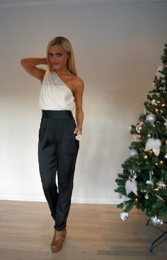 SONY DSC Parachute Pants, Jumpsuit, Classy, Suits, My Style, Sony, Fashion Ideas, Overalls, Chic