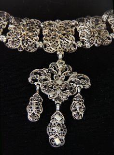 https://flic.kr/p/9EX469 | Hungarian, 17th century, Jewellery | @ Hungarian National Museum - Budapest