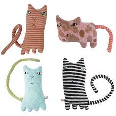 Donna Wilson Mitten Kittens longish tails that serves also as a scarf round these kitteh's necks!