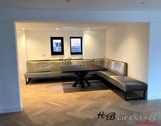 Luxe eetkamerbank op maat - HB Lifestyle Collection Corner Desk, Flat Screen, Lifestyle, Luxury, Furniture, Collection, Home Decor, Corner Table, Blood Plasma