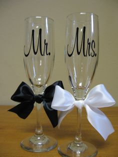 Mr. and Mrs. Wedding Champagne Flutes