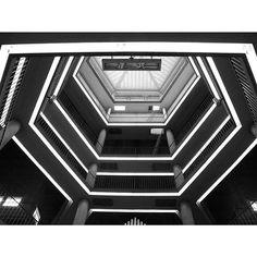 Carlo De Carli #milano #architecture #carlodecarli #light
