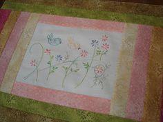 Flores no Jardim - Lee Albrecht: Patchwork à mão