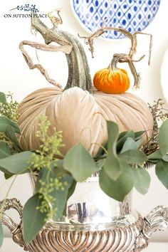 Fall Decorating Ideas with Velvet Pumpkins Easy fall decorating tips using velvet pumpkins. How to layer, stack and display velvet pumpkins for lovely fall decor. Autumn Decorating, Pumpkin Decorating, Decorating Tips, Velvet Pumpkins, Fall Pumpkins, Fabric Pumpkins, Shabby Chic Fall, Muñeca Diy, Pumpkin Arrangements