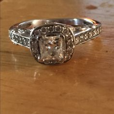 PRINCESS CUT ENGAGEMENT RING Bought in December 2015 from Littman Jewelers Originally payed 2,8 SIZE 4 1/4 **description in pictures from Littman Jewelers** I DO NOT HAVE ORIGINAL BOX (got it resized and they didn't give it back) I can give you a Pandora box for a holder Littman Jewelers Jewelry Rings