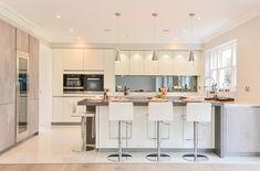 Contemporary kitchen designed and installed by KCA. Diy Kitchen Decor, Kitchen Redesign, Open Plan Kitchen Dining, Kitchen Remodel, Modern Kitchen, Contemporary Kitchen, Open Plan Kitchen Dining Living, Kitchen Layout, Kitchen Design