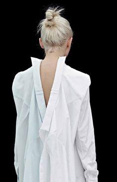 2 camicie allacciate insieme