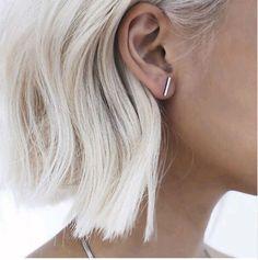 2 pair 2016 Fashion Gold Silver Punk Simple T Bar Earrings For Women Ear Stud Earrings Fine Jewelry Bar Stud Earrings, Simple Earrings, Silver Earrings, Silver Bracelets, Silver Ring, Color Del Pelo, Trendy Bar, Shoulder Length Hair, Platinum Blonde