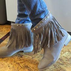 T9 Michael Kors fringe ankle suede booties. Suede fringe Michael Kors boots, new without box. These boots have never been worn only tried on. Michael Kors Shoes Ankle Boots & Booties